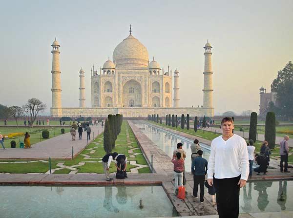 Stephen Schwartz at the Taj Mahal - posted in The Schwartz Scene 46